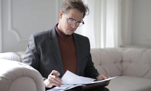 Wanneer kun je het beste een advocaat inhuren?